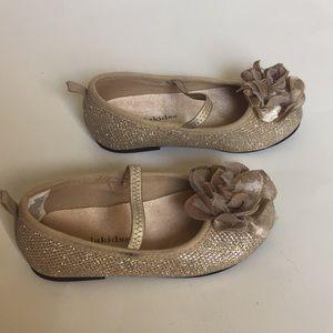 Koala Kids Toddler Girl Golden dress shoes.